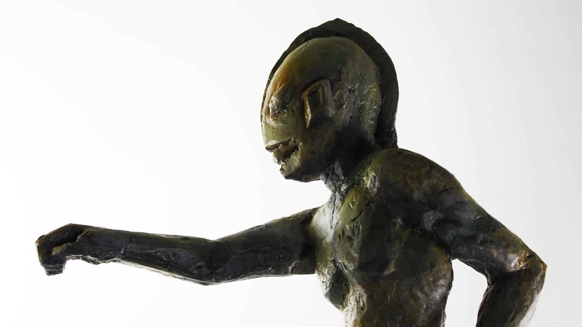成田亨「MANの立像」武庫川進呈版レプリカ